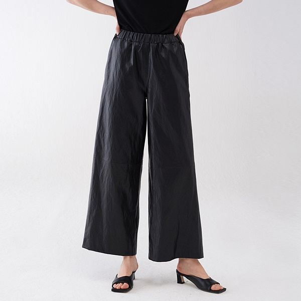 ECO LEATHER POCKET WIDE PANTS 에코 레더 포켓 와이드팬츠